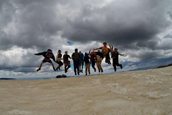 SWJ jumping snow 1000x500