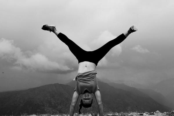 BW handstand 1000x750