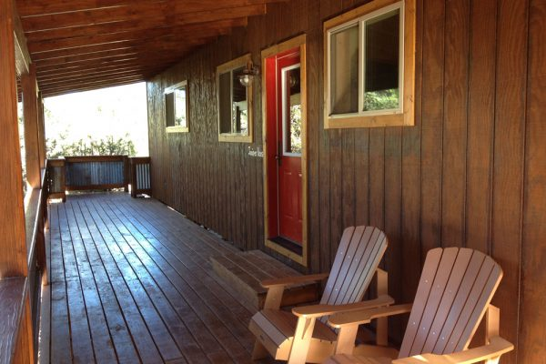 CabinFrontPorch_1000x750