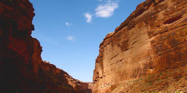 Canyon walls 1000x750