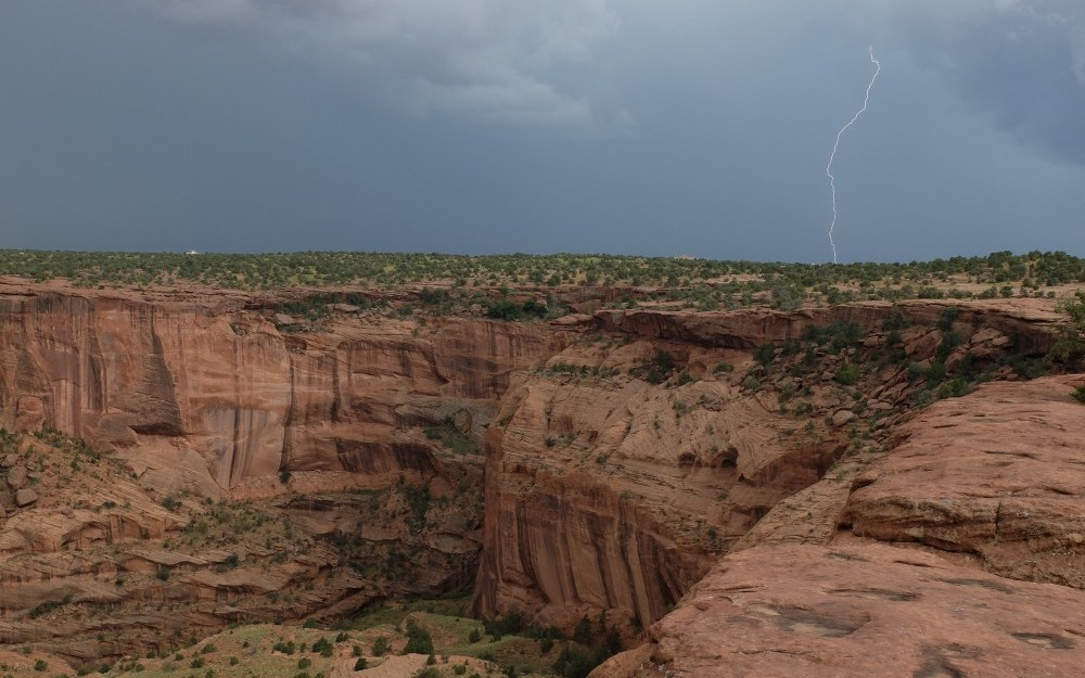 Cross cultural community service near Canyon de Chelly National Monument